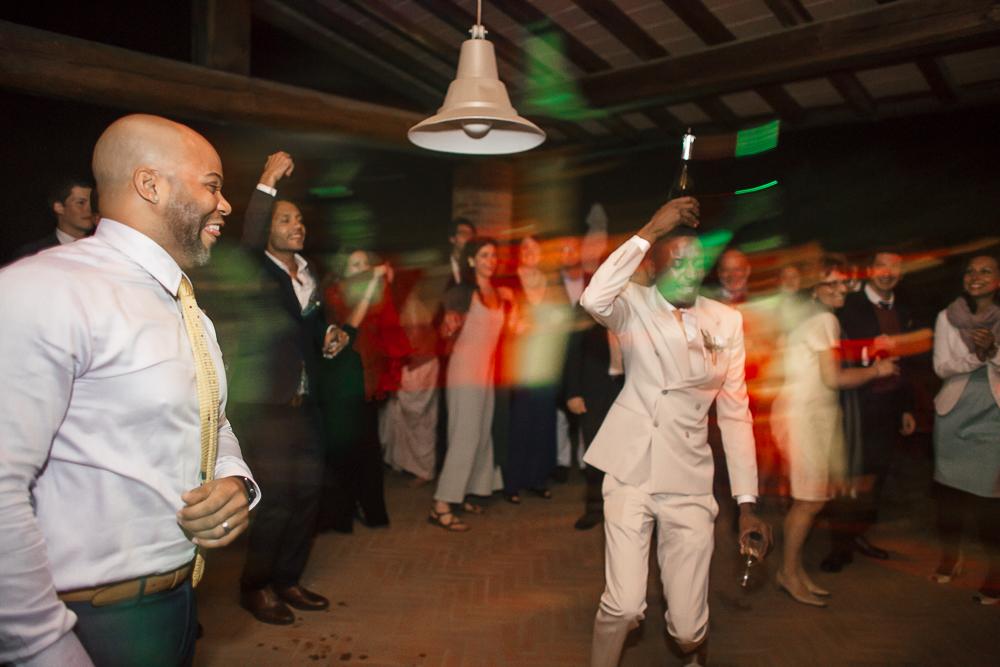 wedding photographer tuscany italy dance