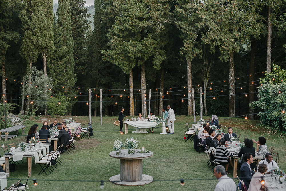 wedding photographer tuscany italy outdoor setting