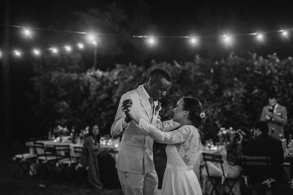 wedding photographer tuscany italy bride and groom dance
