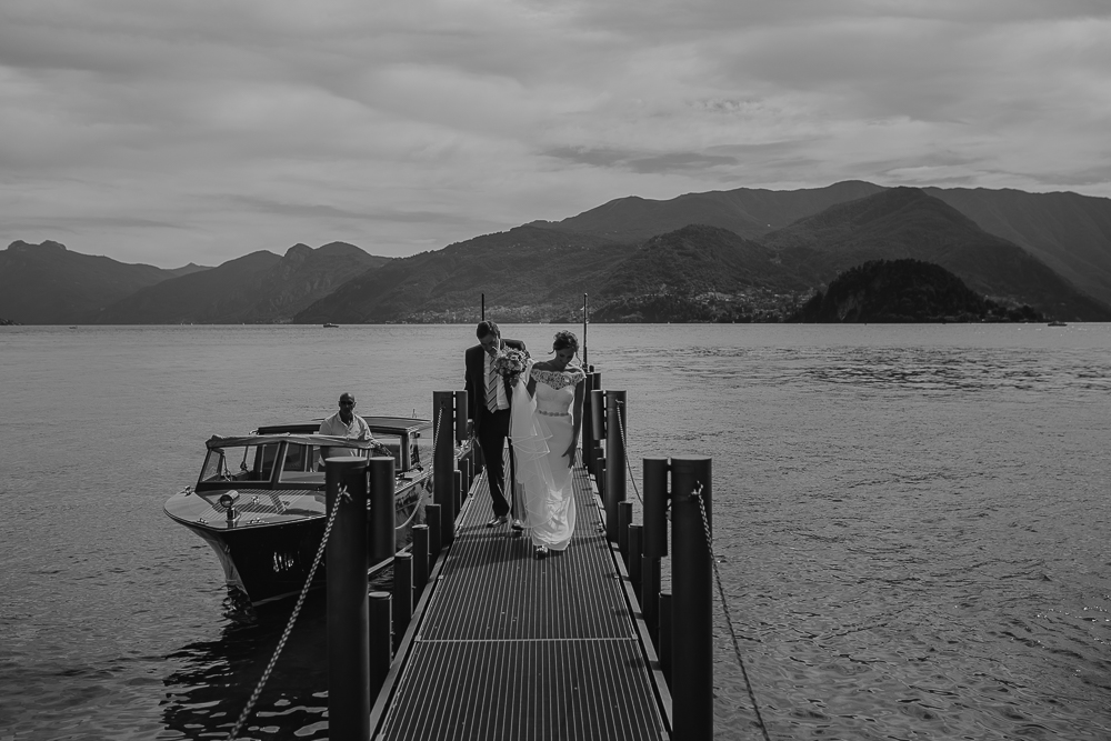 lake como wedding photographer varenna