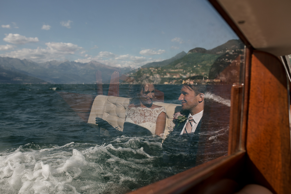 lake como wedding photographer boat